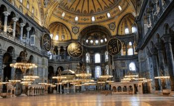 ハギア・ソフィアのモスクの内観画像