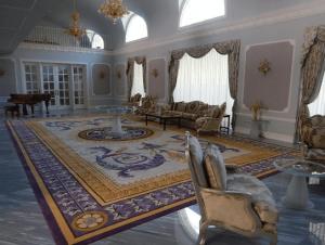 駒込の47億5千万円の豪邸のピアノ室の内装画像